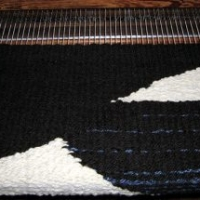Magpie rug on the loom